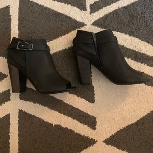 Guess black booties